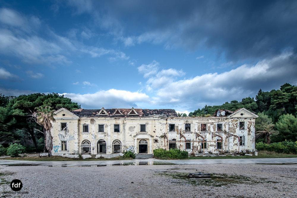 Hotel-Ruine-Bucht-Meer-Krieg-Lost-Place-Balkan-Kroatien-143.JPG