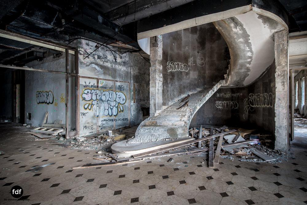 Hotel-Ruine-Bucht-Meer-Krieg-Lost-Place-Balkan-Kroatien-155.JPG