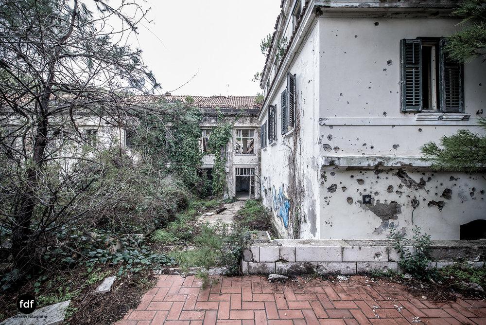Hotel-Ruine-Bucht-Meer-Krieg-Lost-Place-Balkan-Kroatien-156.JPG