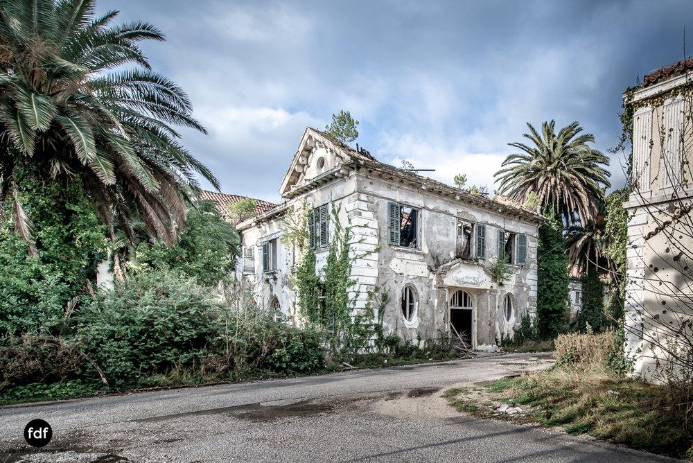 Hotel-Ruine-Bucht-Meer-Krieg-Lost-Place-Balkan-Kroatien-188.JPG