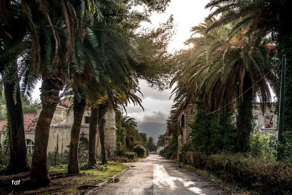 Hotel-Ruine-Bucht-Meer-Krieg-Lost-Place-Balkan-Kroatien-193.JPG