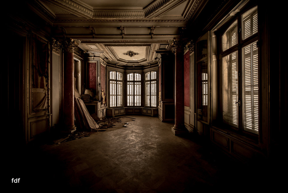 Chateau-Lumiere-Herrenhaus-Lost-Place-Elsass-Frankreich-10.JPG