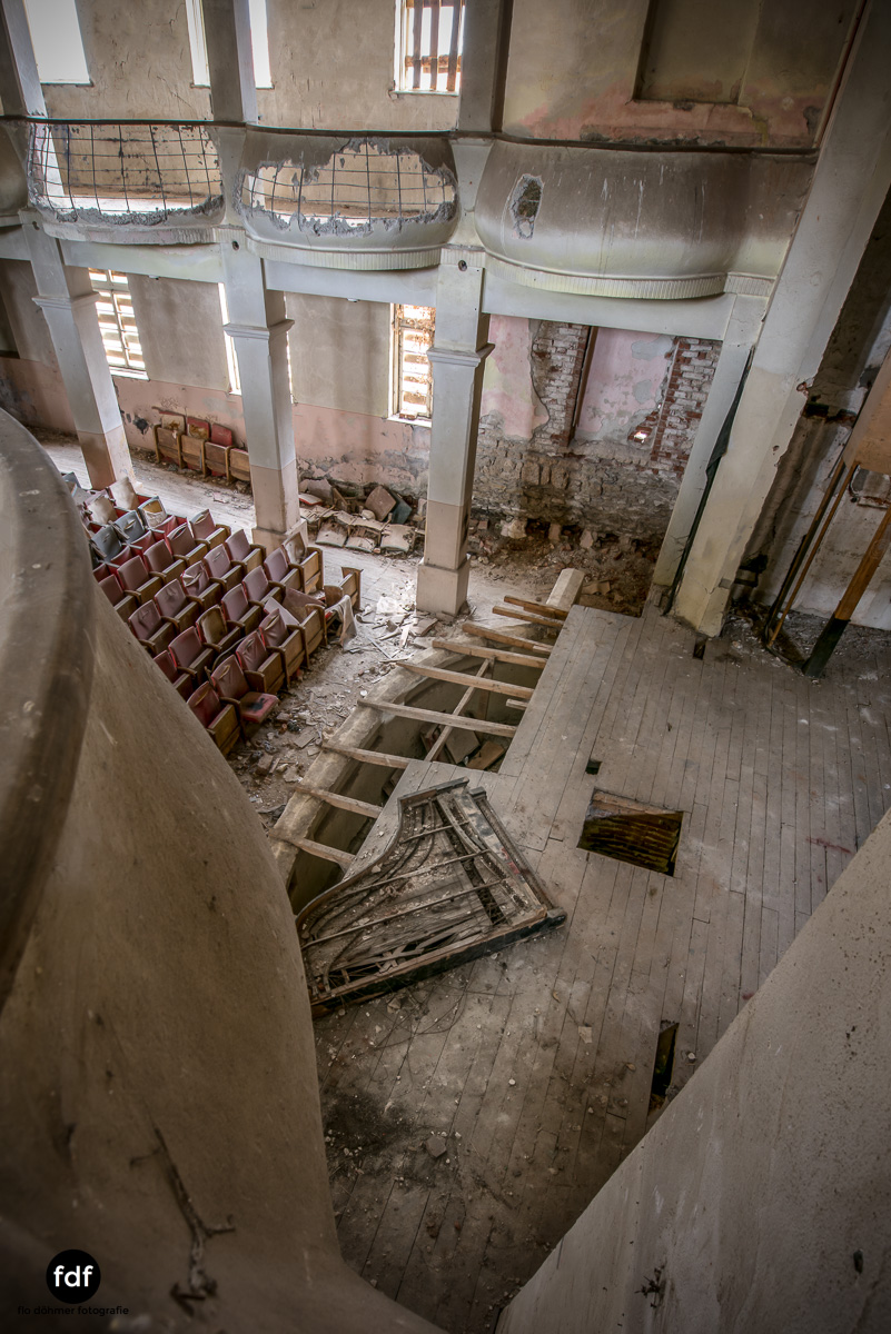 Das weisse Piano Theater Lost Place-83.JPG