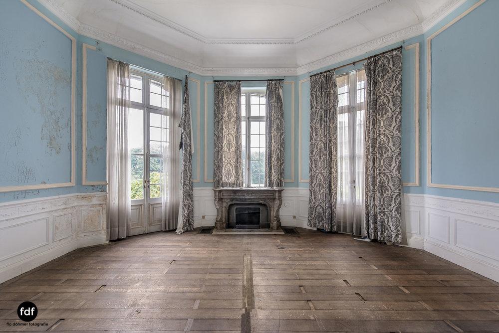Hotel Cheminee Chateau Belgien Lost Place-15.JPG