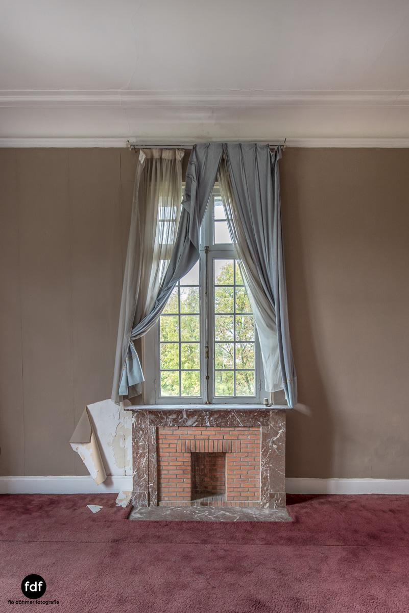Hotel Cheminee Chateau Belgien Lost Place-30.JPG