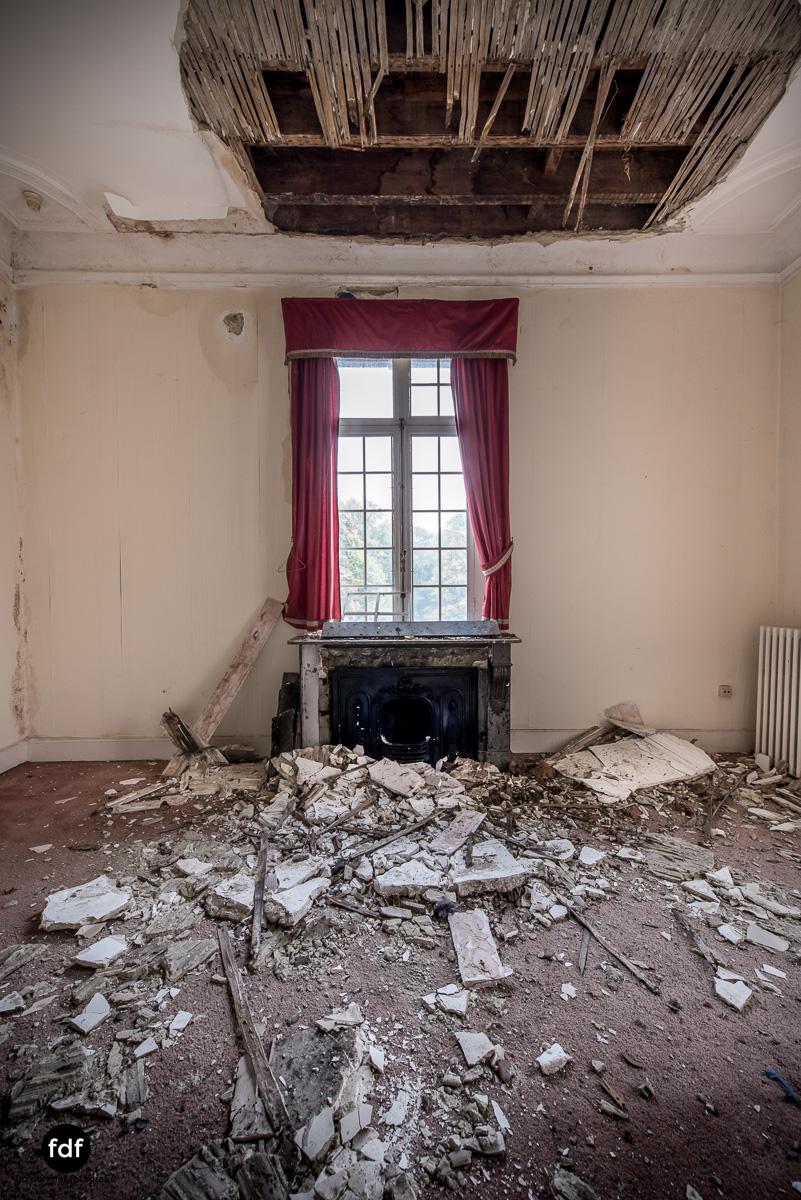 Hotel Cheminee Chateau Belgien Lost Place-45.JPG