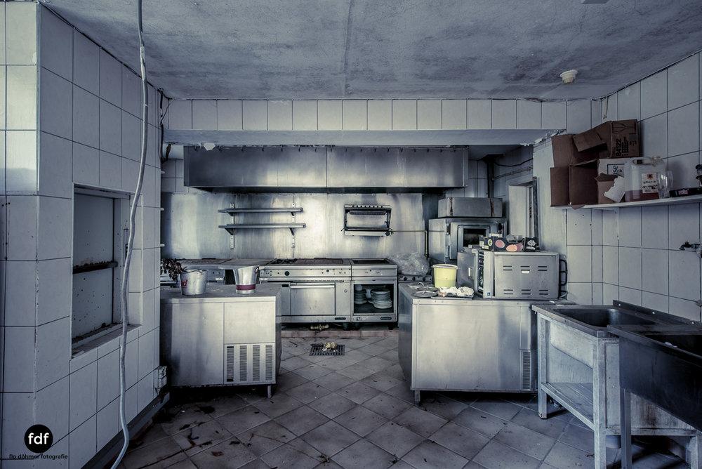 Hotel Cheminee Chateau Belgien Lost Place-61.JPG