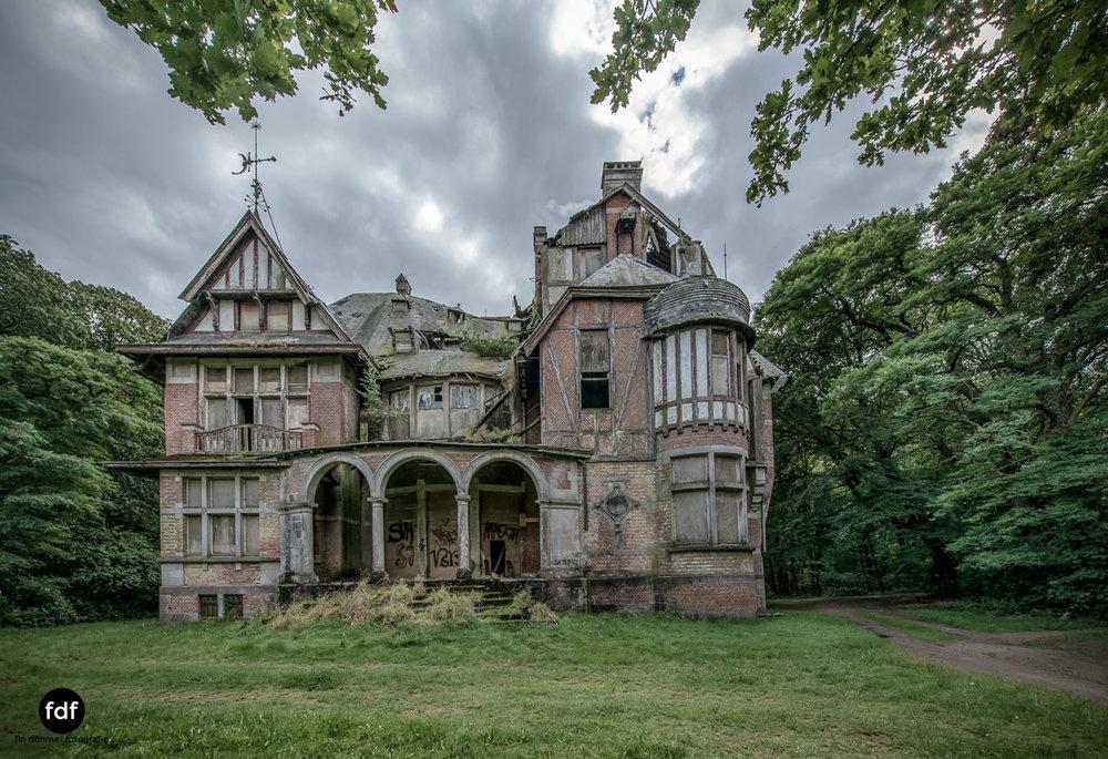 Chateau Nottebohm Landgut Belgien Lost Place-38.JPG