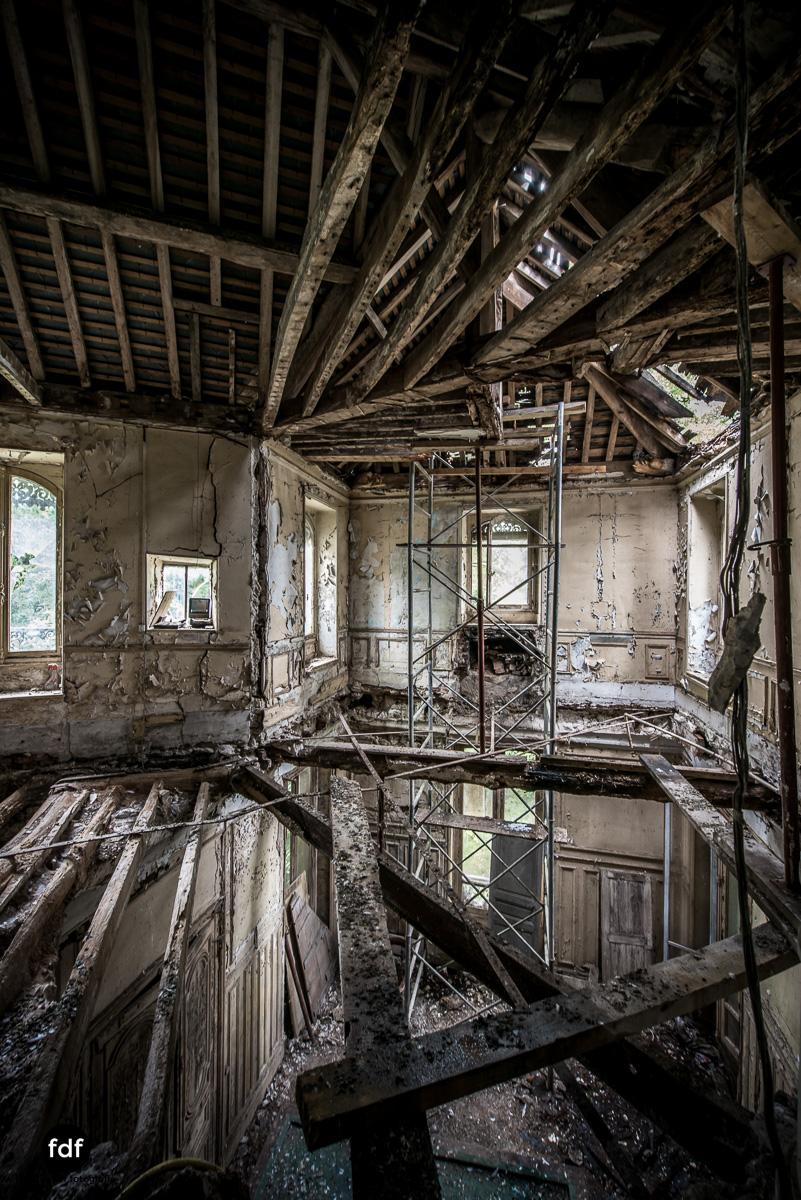 Chareau Verdure Lost Place Frankreich-1.JPG