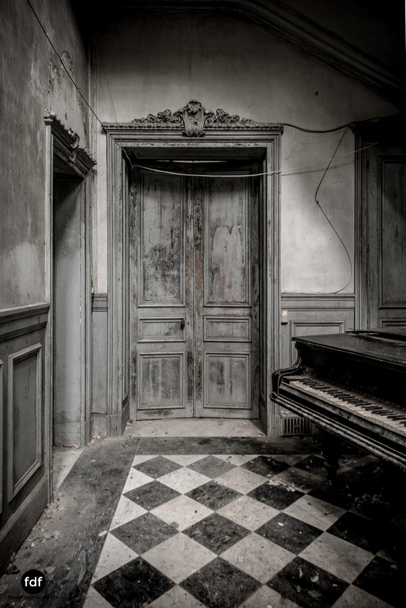 Chareau Verdure Lost Place Frankreich-37.JPG