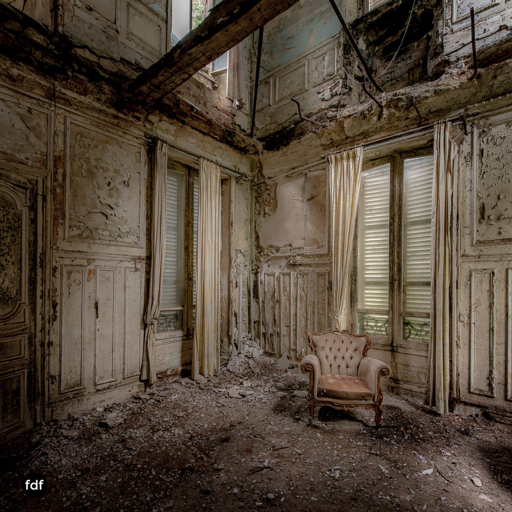 Chareau Verdure Lost Place Frankreich-41.JPG
