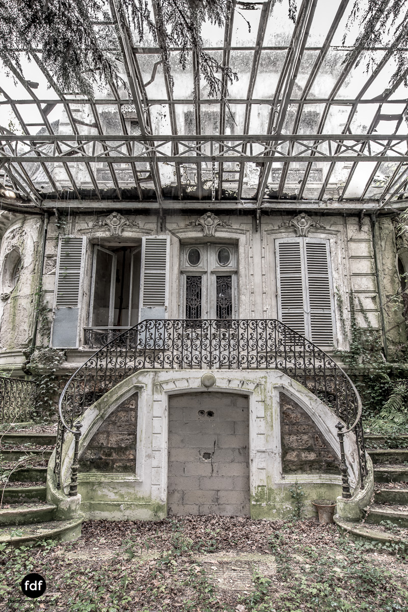 Chareau Verdure Lost Place Frankreich-71.JPG