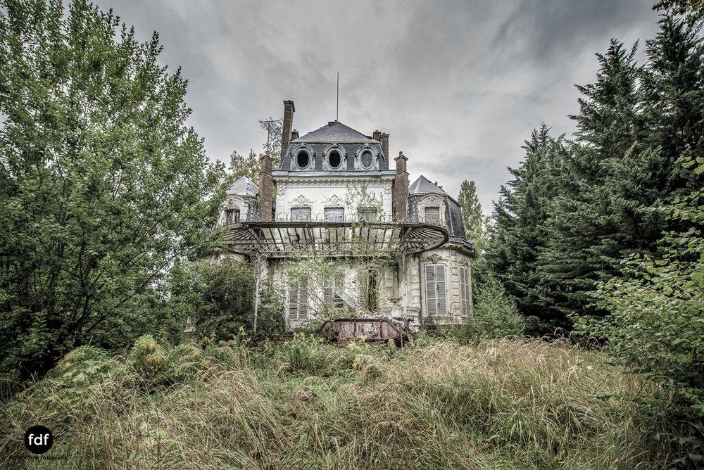 Chareau Verdure Lost Place Frankreich-86.JPG