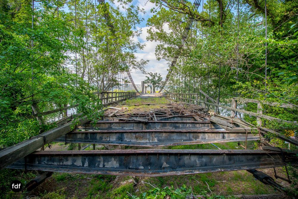 Woodbridge Brücke Provence Verfall Lost Place-34.JPG