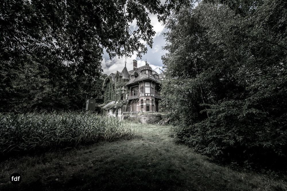 Chateau Nottebohm Landgut Belgien Lost Place-24.JPG