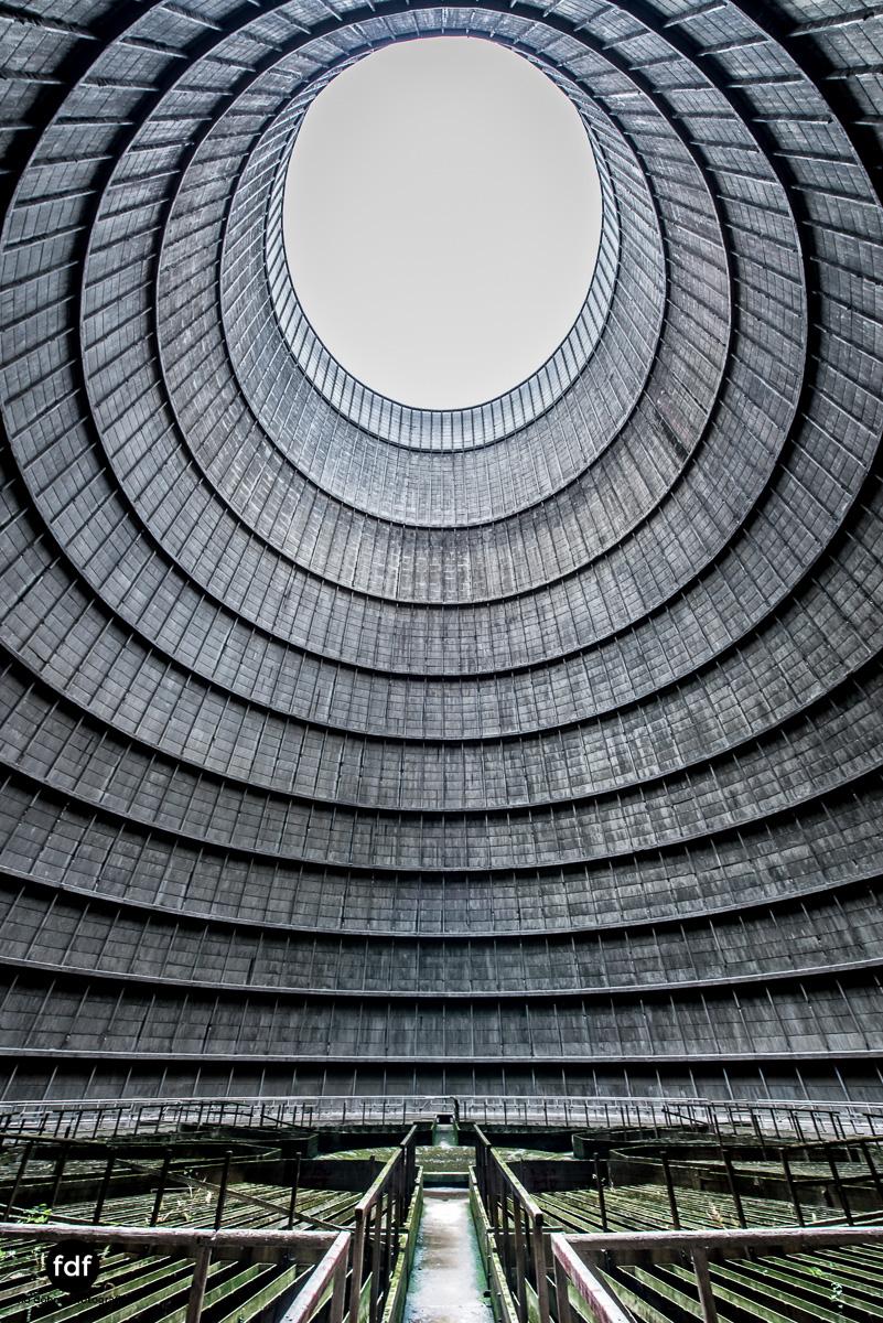 Powerplant-Kühlturm-Urbex-LostPlace-Industrie-Kraftwerk-24.JPG