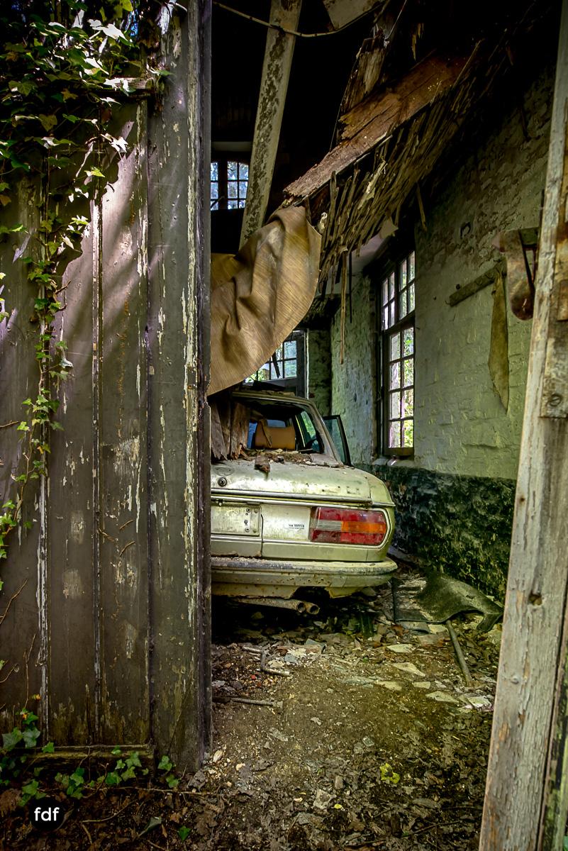 Villa BMW-Herrenhaus-Urbex-Lost-Place-Belgien-20.JPG