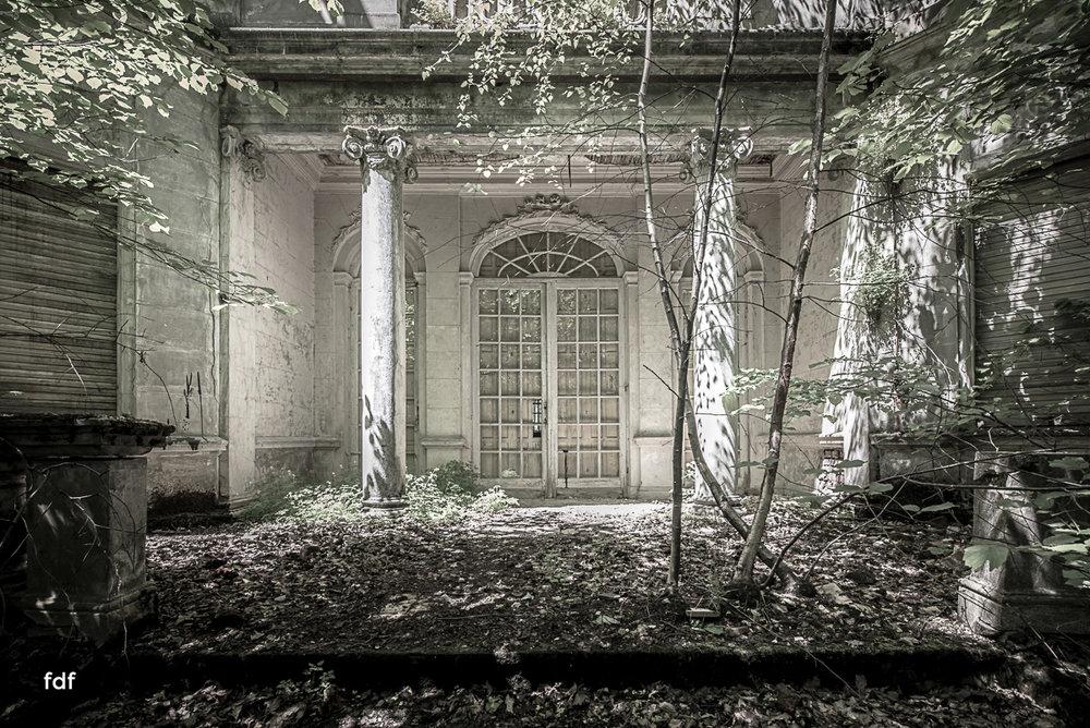 Villa BMW-Herrenhaus-Urbex-Lost-Place-Belgien-43.JPG