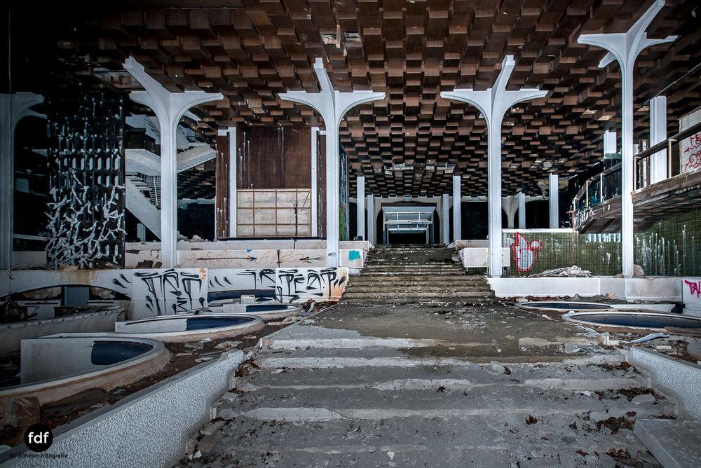 Moonshine-Hotel-Lost-Place-Nacht-Kroatien-10.JPG