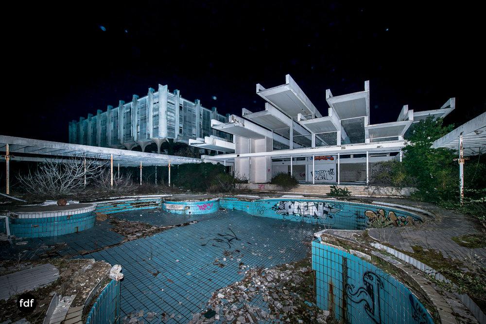 Moonshine-Hotel-Lost-Place-Nacht-Kroatien-23.JPG