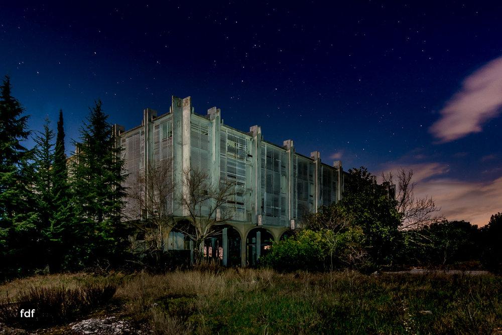 Moonshine-Hotel-Lost-Place-Nacht-Kroatien-59.JPG