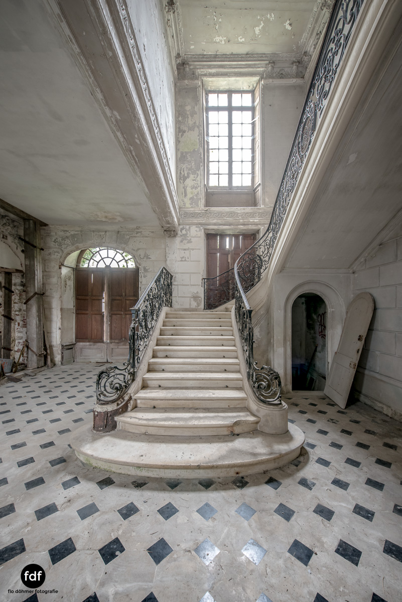 Chateau des Singes-Herrensitz-Lost Place-Frankreich-2.JPG