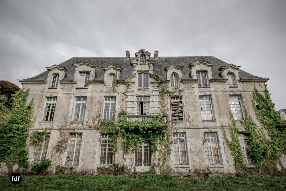 Chateau des Singes-Herrensitz-Lost Place-Frankreich-10.JPG