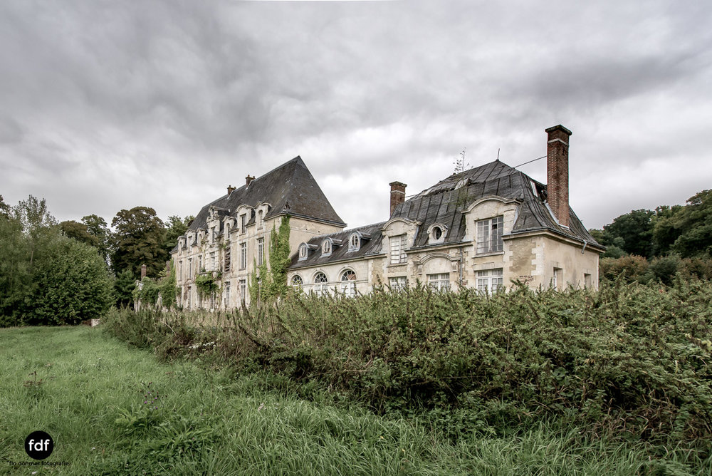 Chateau des Singes-Herrensitz-Lost Place-Frankreich-12.JPG