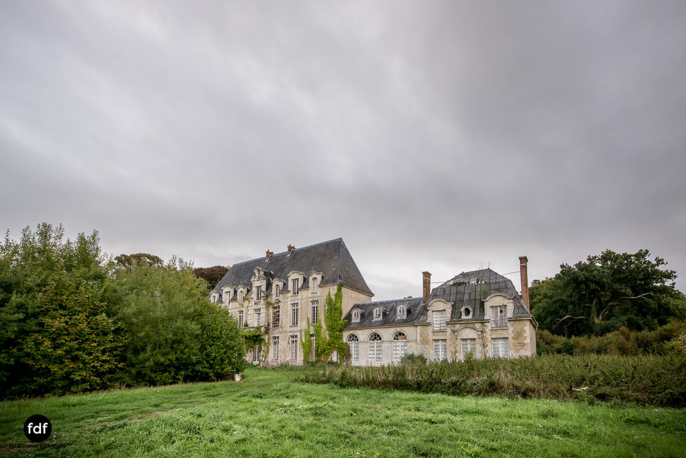 Chateau des Singes-Herrensitz-Lost Place-Frankreich-17.JPG