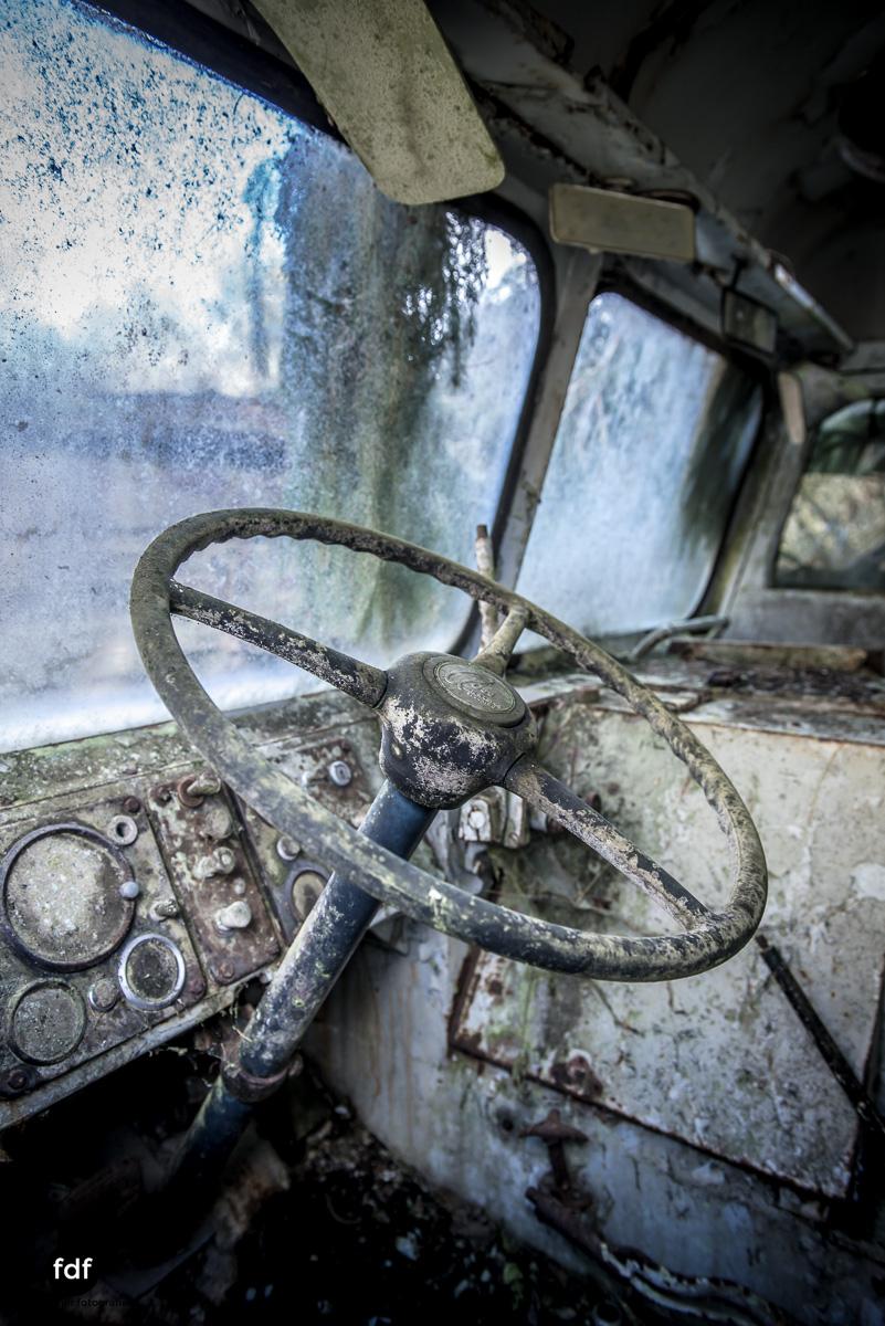 Traction Sud-Schrott-Militär-Lost Place-30.JPG