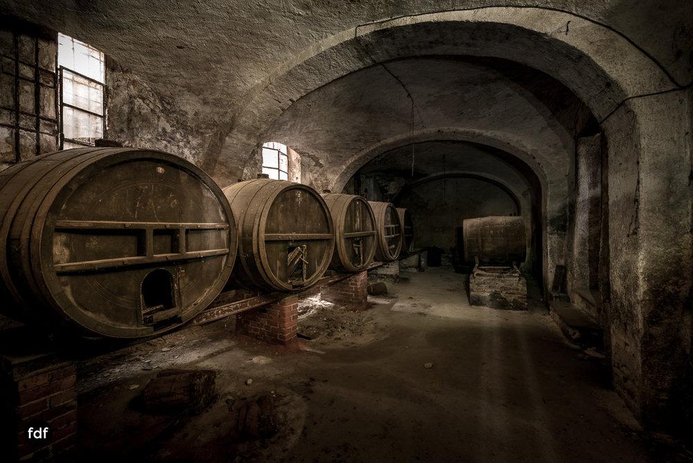 Villa Corinna-Weingut-Herrenhaus-Lost Place-Italien-18.JPG