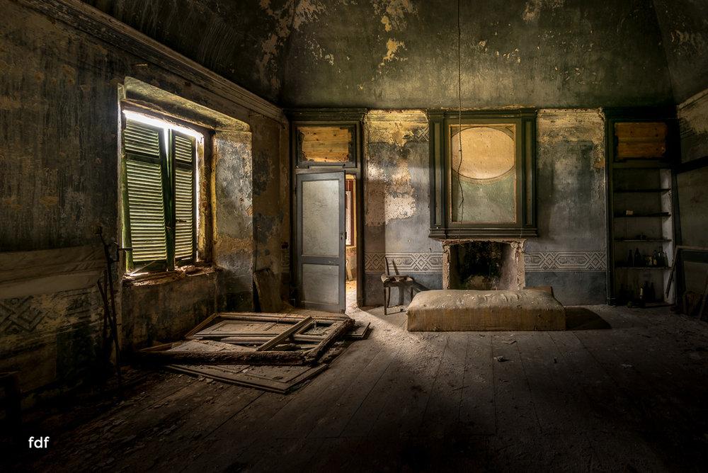 Villa Corinna-Weingut-Herrenhaus-Lost Place-Italien-34.JPG