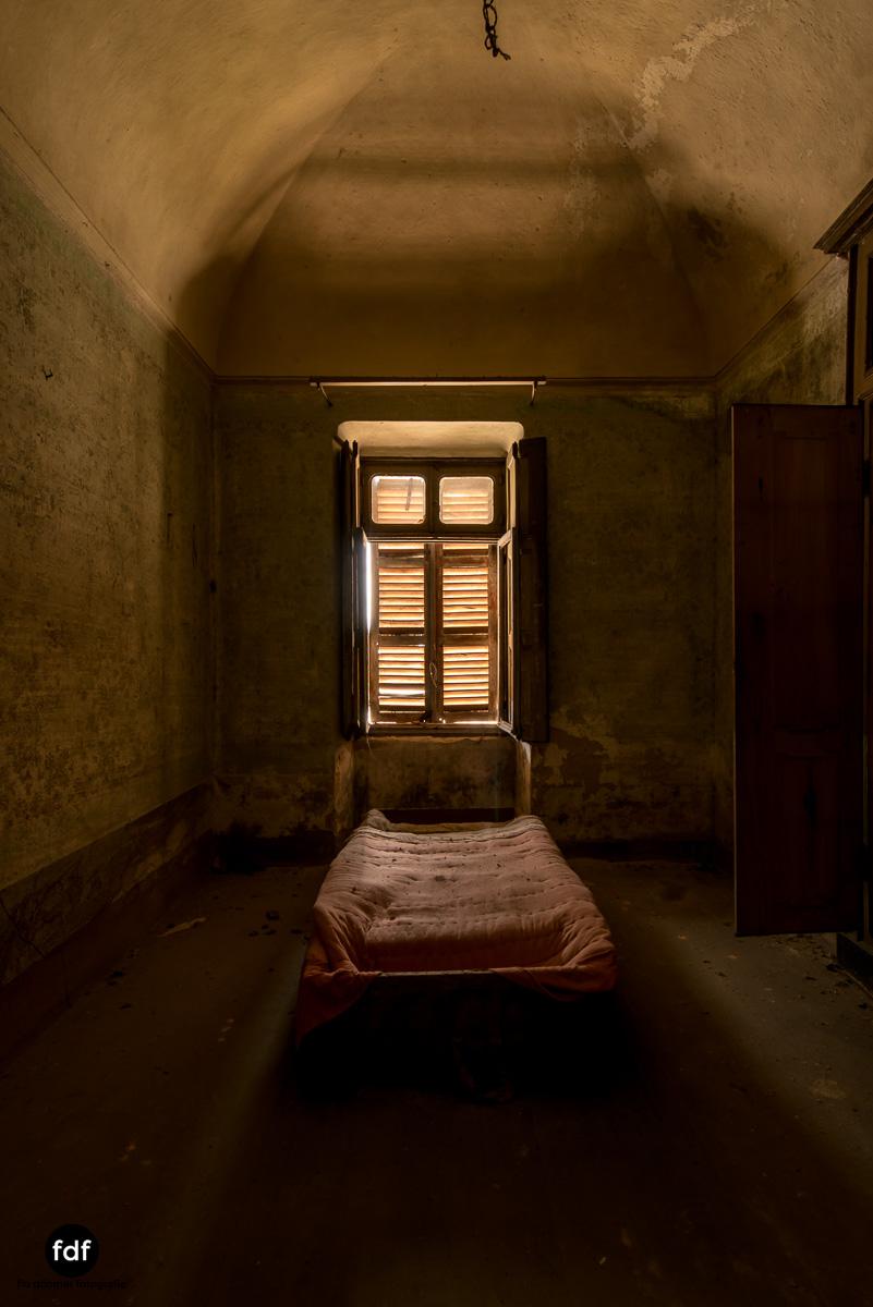 Villa Corinna-Weingut-Herrenhaus-Lost Place-Italien-46.JPG