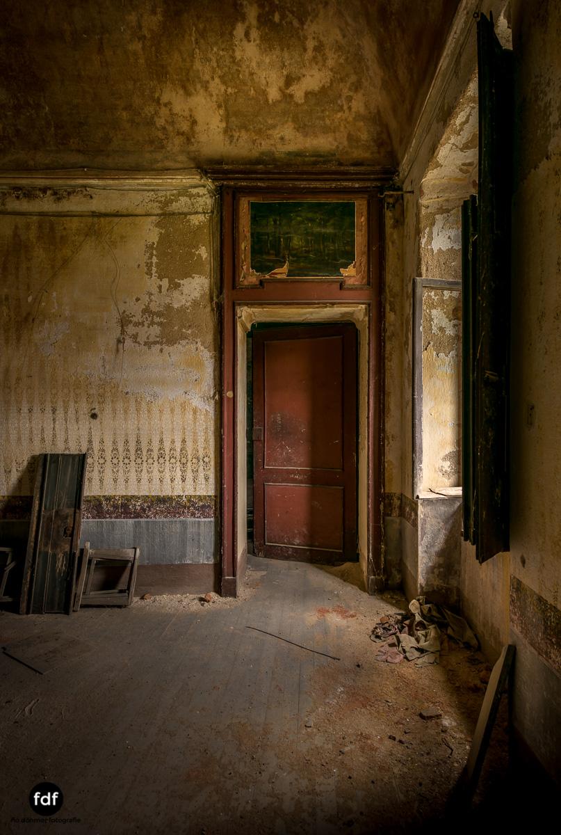 Villa Corinna-Weingut-Herrenhaus-Lost Place-Italien-41.JPG