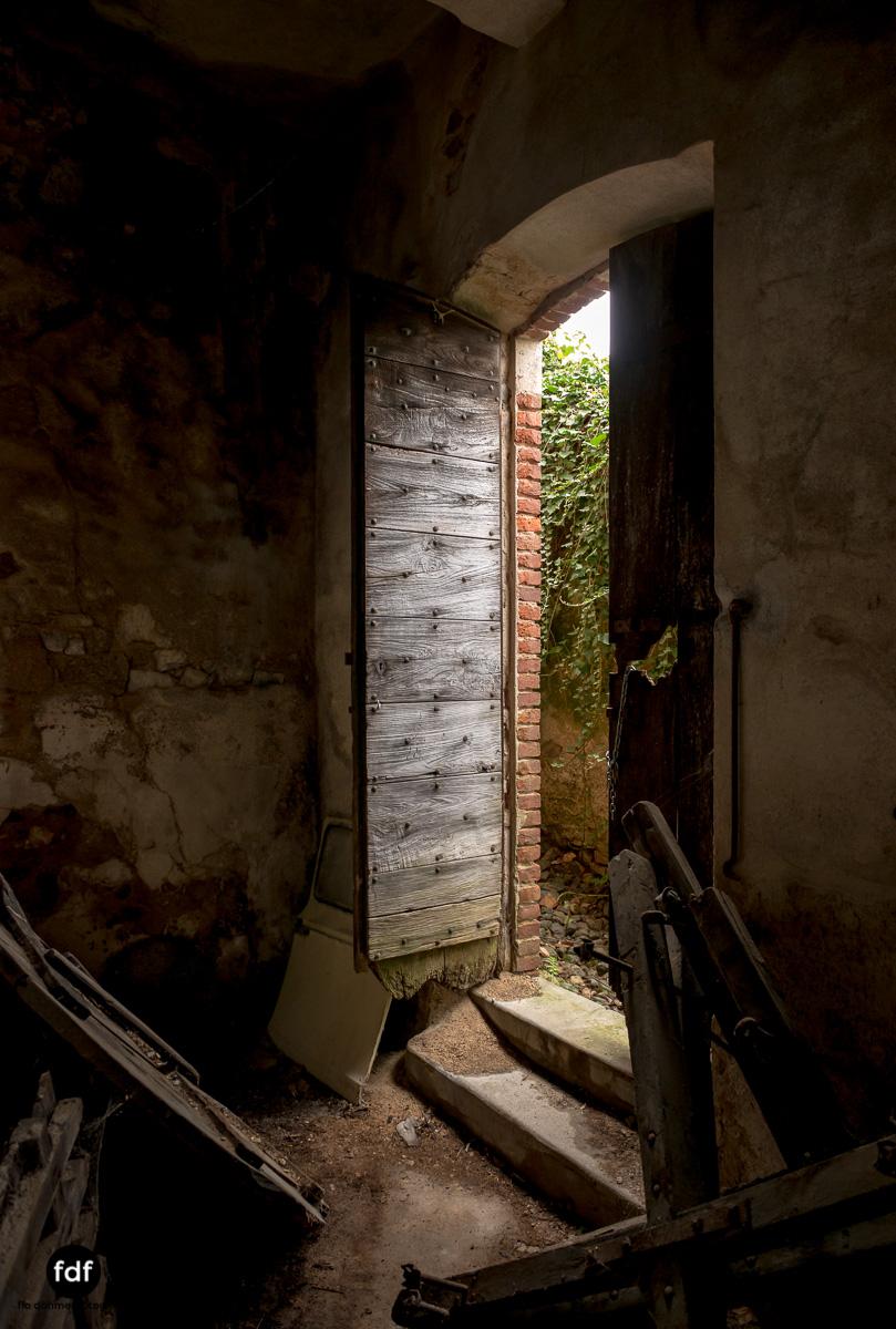 Villa Corinna-Weingut-Herrenhaus-Lost Place-Italien-49.JPG