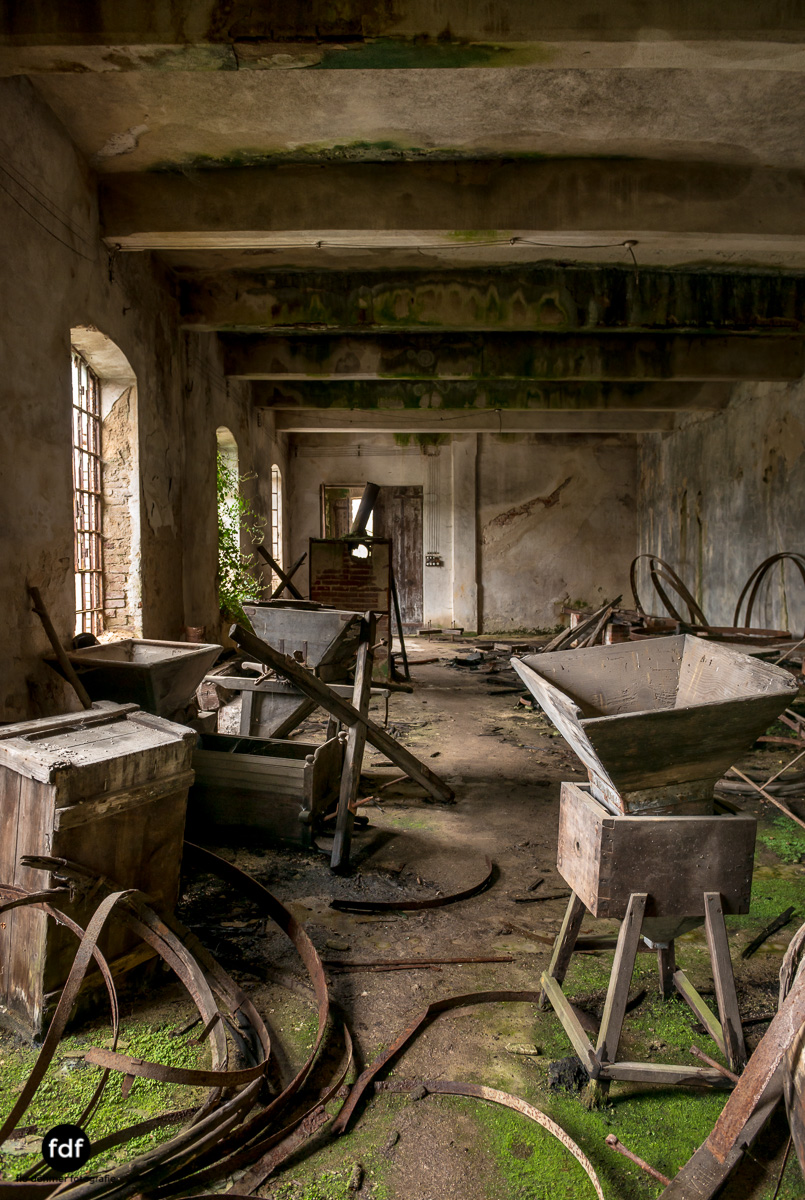 Villa Corinna-Weingut-Herrenhaus-Lost Place-Italien-50.JPG