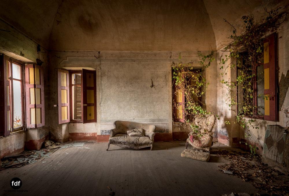 Villa Corinna-Weingut-Herrenhaus-Lost Place-Italien-55.JPG