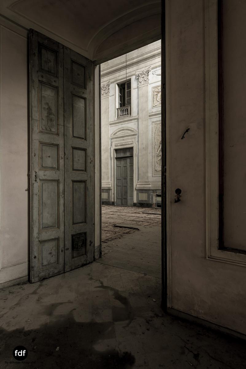 Villa dei Danzatori-Villa RosaPalazzo L-Herrenhaus-Lost Place-Italien-14.JPG