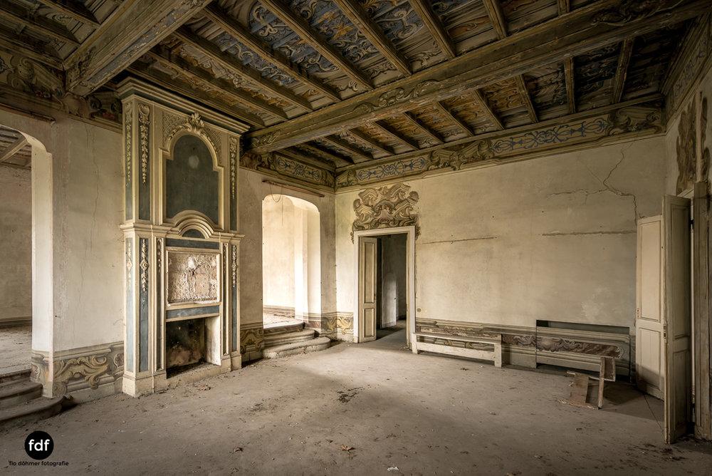 Villa dei Danzatori-Villa RosaPalazzo L-Herrenhaus-Lost Place-Italien-30.JPG
