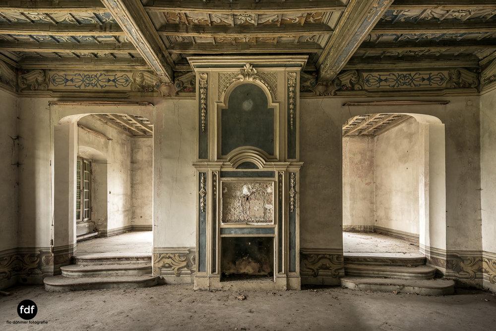 Villa dei Danzatori-Villa RosaPalazzo L-Herrenhaus-Lost Place-Italien-28.JPG