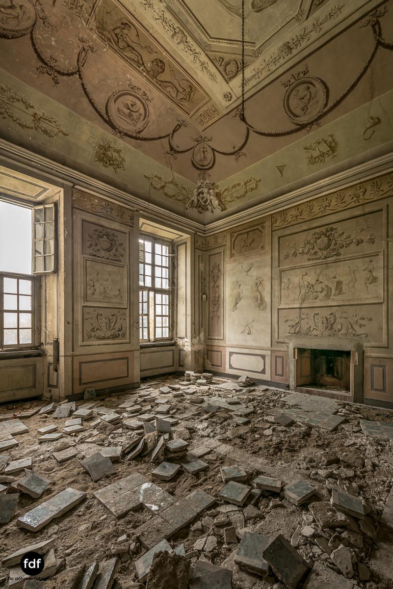 Villa dei Danzatori-Villa RosaPalazzo L-Herrenhaus-Lost Place-Italien-54.JPG