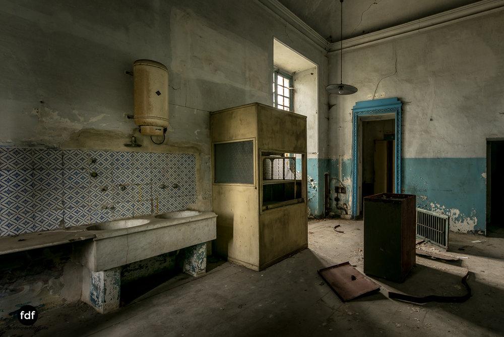 Villa dei Danzatori-Villa RosaPalazzo L-Herrenhaus-Lost Place-Italien-62.JPG