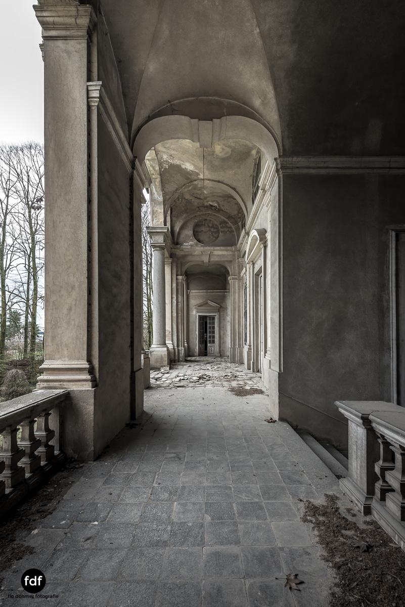 Villa dei Danzatori-Villa RosaPalazzo L-Herrenhaus-Lost Place-Italien-97.JPG
