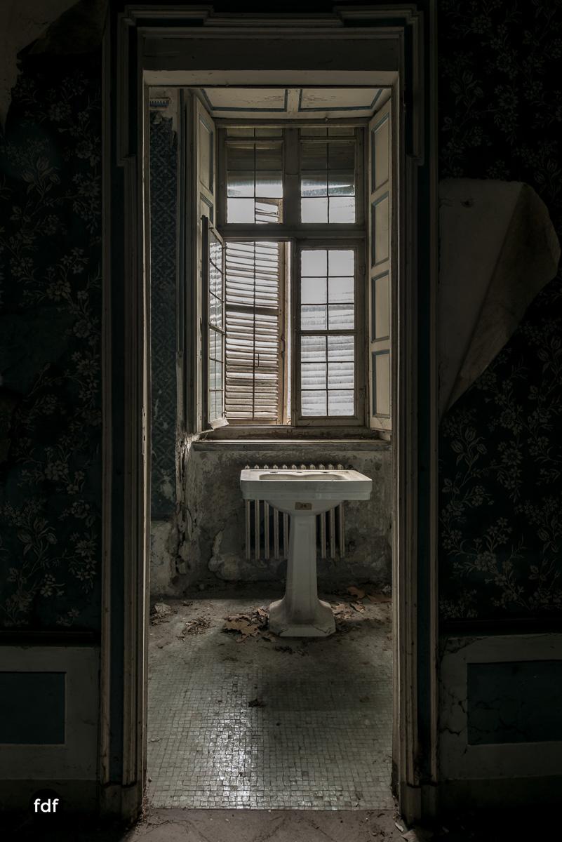 Villa dei Danzatori-Villa RosaPalazzo L-Herrenhaus-Lost Place-Italien-71.JPG
