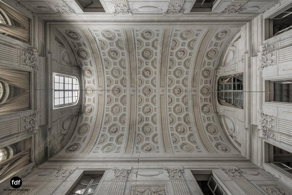 Villa dei Danzatori-Villa RosaPalazzo L-Herrenhaus-Lost Place-Italien-105.JPG