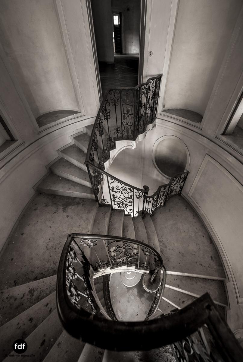 Villa dei Danzatori-Villa RosaPalazzo L-Herrenhaus-Lost Place-Italien-131.JPG