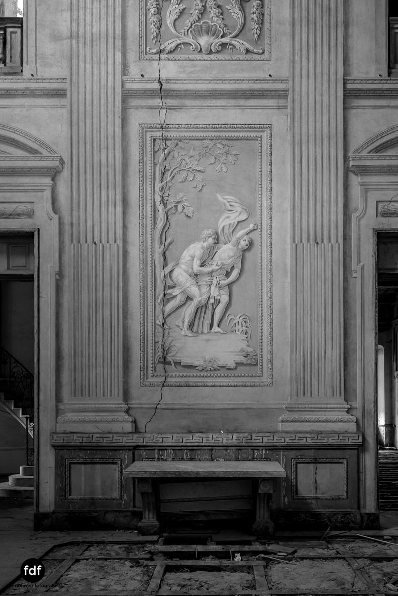 Villa dei Danzatori-Villa RosaPalazzo L-Herrenhaus-Lost Place-Italien-141.JPG