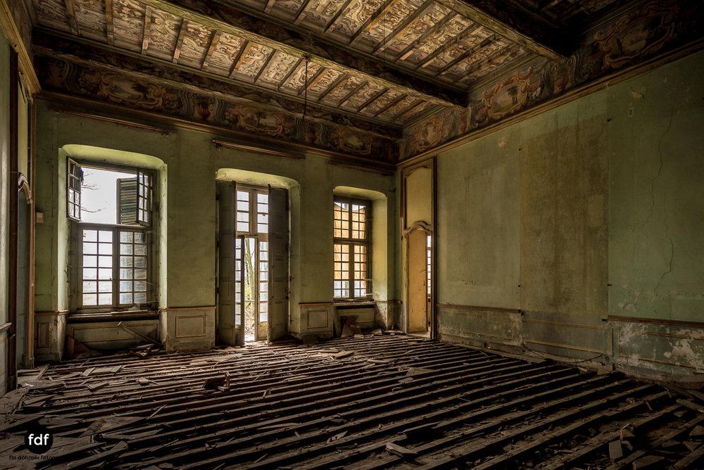 Villa dei Danzatori-Villa RosaPalazzo L-Herrenhaus-Lost Place-Italien-144.JPG