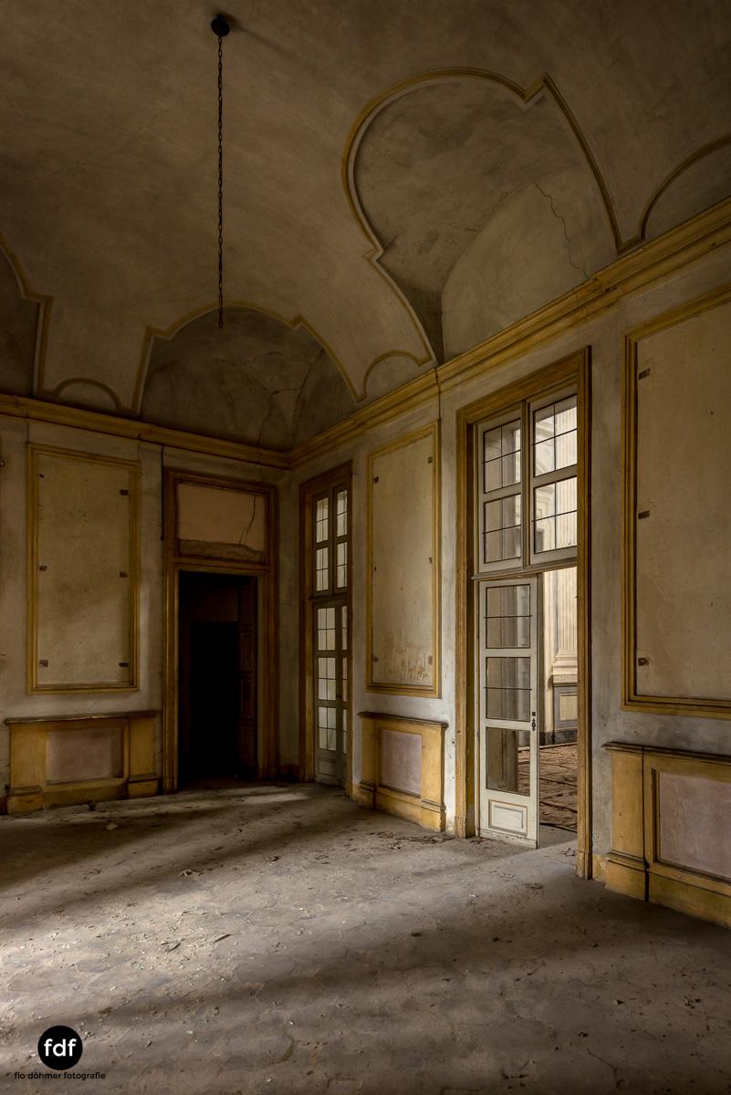 Villa dei Danzatori-Villa RosaPalazzo L-Herrenhaus-Lost Place-Italien-156.JPG