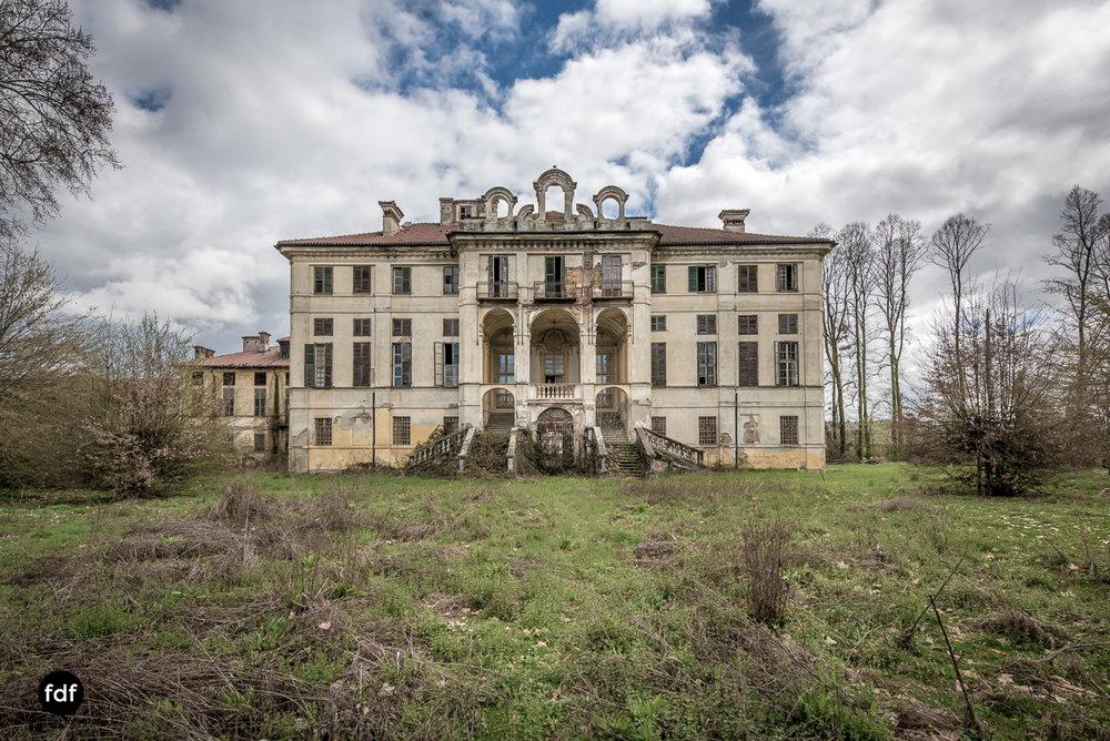 Villa dei Danzatori-Villa RosaPalazzo L-Herrenhaus-Lost Place-Italien-165.JPG